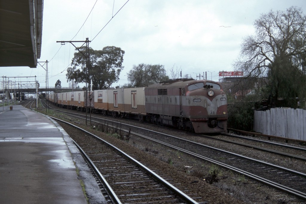 GM23 at Middle Footscray by Alan Greenhill