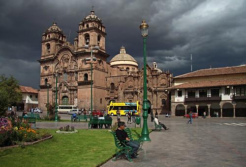 Iglesia La Compania y Museo de Historia Natural   by vil.sandi