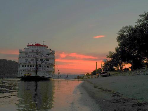 sunset indiana madison rivers ohioriver steamboats madisonindiana paddlewheelers flickrandroidapp:filter=none