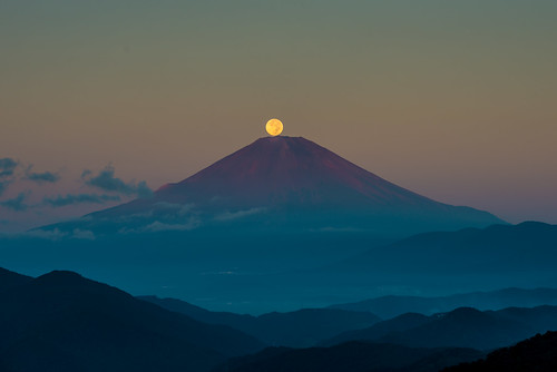 20130920d036134 足柄上郡 神奈川県 日本 2013 crazyshin nikond800e afsnikkor70200mmf28ged fuji japan nightview pearlfuji fullmoon 中秋の名月 order500 harvestmoon harvestmoon2013 cloudy night sunrise before6 9832373046 sold 2017sold 201701sold 201704sold