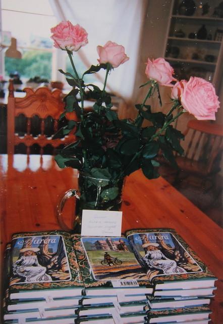 1991, 1.painos, 1992 toinen painos 1. Aurora-kirja