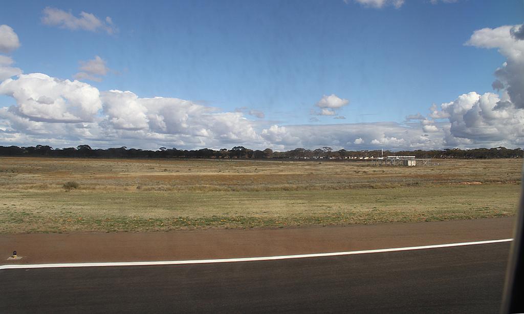 Qantaslink717-23S-VH-NXE-52