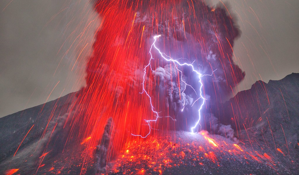 Volcanic Lightning from rHellscapePorn - Watermelon_Duck