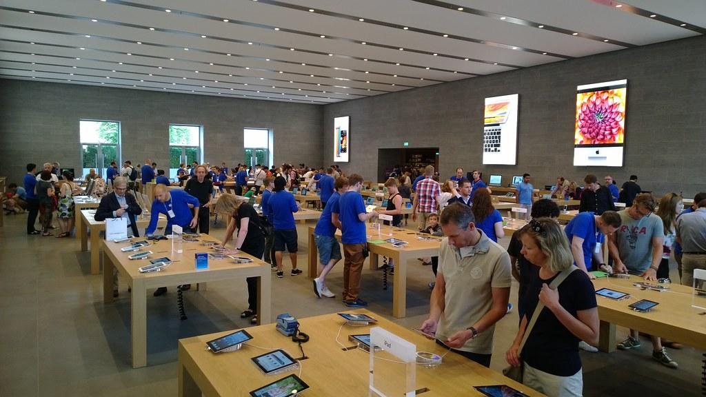 Inside Apple Store Berlin | Biggest main floor I've seen so … | Flickr