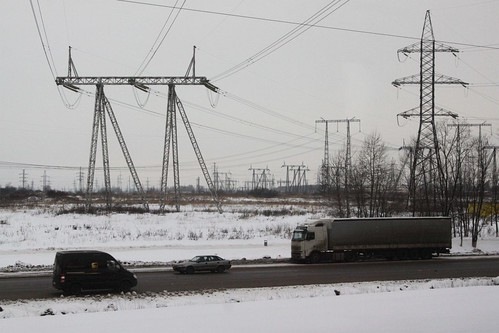 Electrical transmission lines outside Домодедово (Domodedovo)