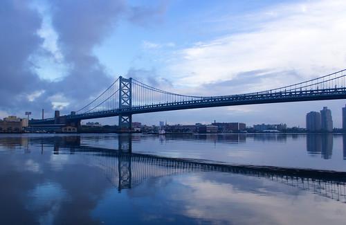 bridge philadelphia sunrise day cloudy delawareriver benjaminfranklinbridge