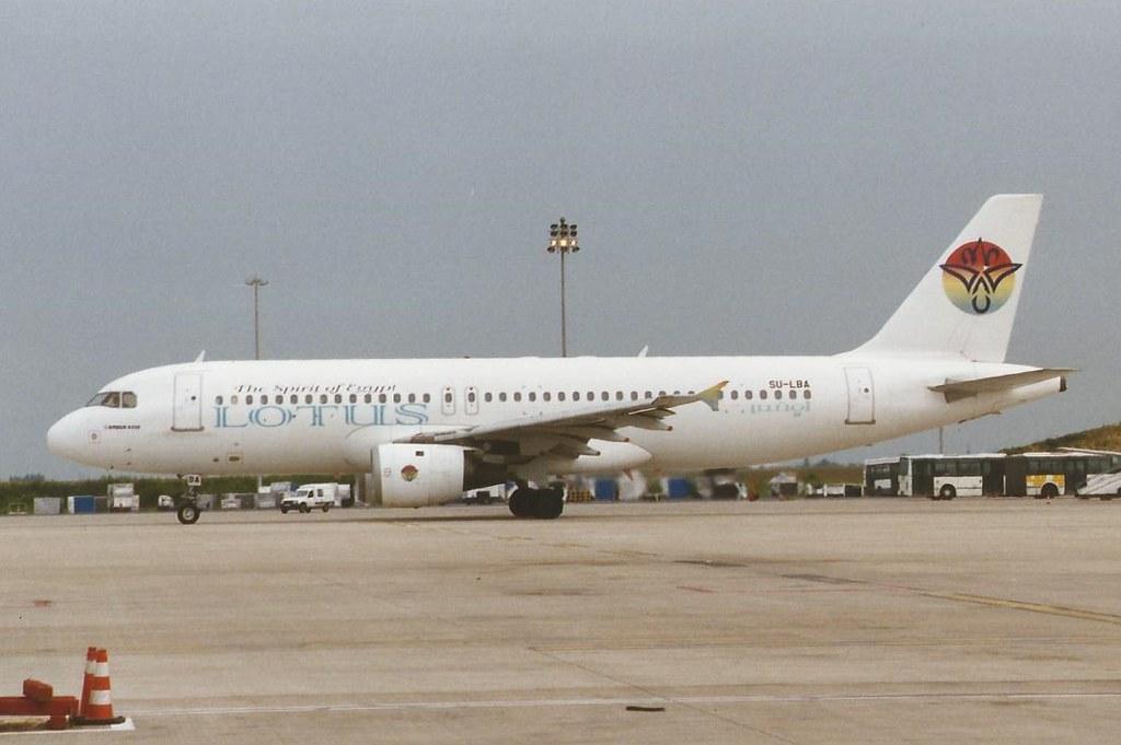 PARIS CHARLES DE GAULLE JUNE 1999 LOTUS AIRBUS A320 SU-LBA