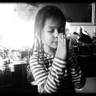 Praying - rezando - Eloisa's Birthday 5 years old