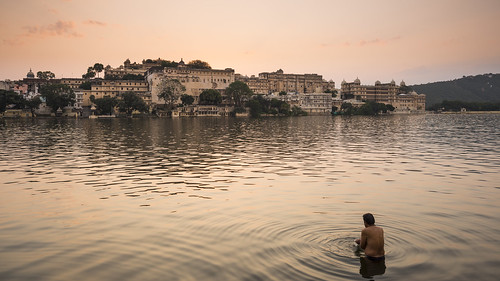 india lake sunrise dawn rajasthan udaipur lakepichola