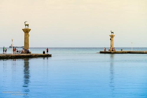 Entrance to the harbor | by Daniel Kulinski
