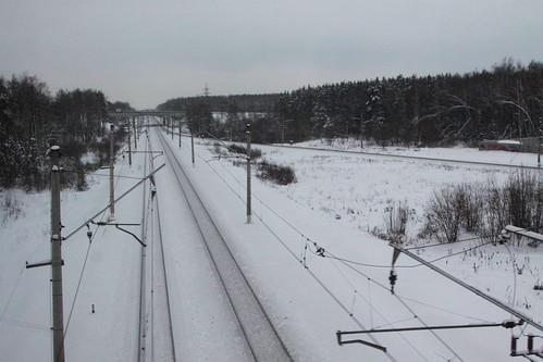 Crossing railway tracks outside Домодедово (Domodedovo)