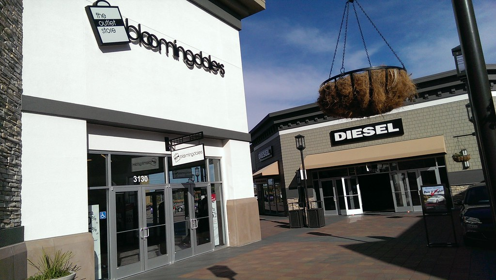 reputable site e48bf 5d822 Bloomingdale's and Diesel outlets - Livermore Premium Outl ...