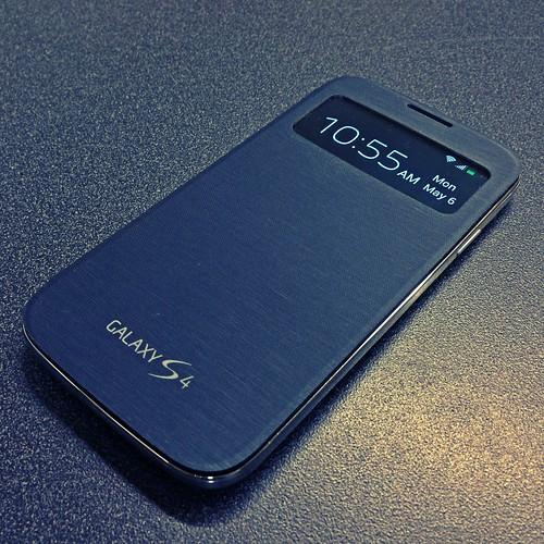 samsung case smartphone cbsinteractive flipcover uploaded:by=flickrmobile galaxys4 flickriosapp:filter=chameleon chameleonfilter sviewflipcover