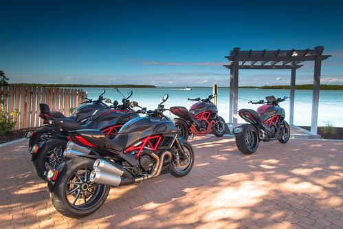 day unitedstates florida motorcycles ducati carbonfiber southflorida 6d fortmyersbeach 899 panigale diavel