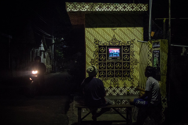Couch potato, indonesian version.