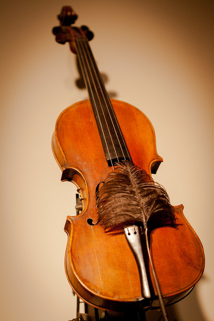 Machine With Violin