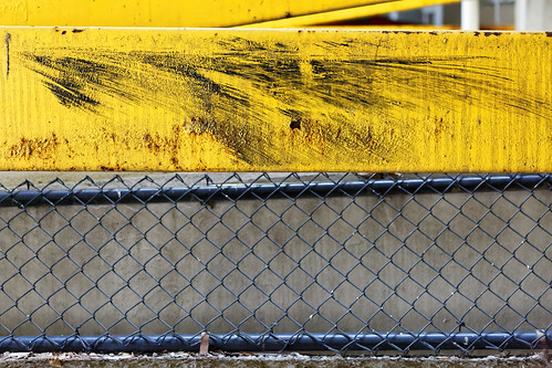 parking garage yellow guardrail scratch bumper fence aleadam alejandroadam 7dwf