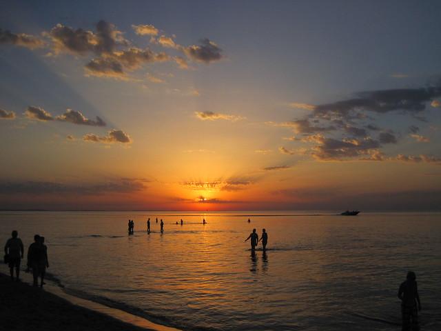 Abends wurde der Strand nochmal voll mit Sonnenuntergangsbesuchern