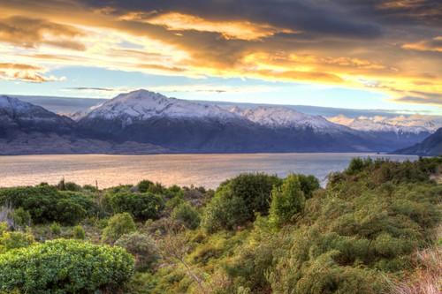 sunset newzealand alps southernalps wanaka lakewanaka fireinthesky mountaspiring wanakanewzealand mountaspiringnationalpark newzealandsunset lakewanakasunset southernalpssunset mountaspiringsunset