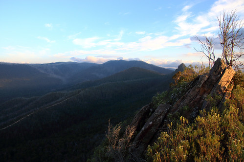 sunset sky mountains clouds wilderness victoriaaustralia overnighthike cathedralrangestatepark