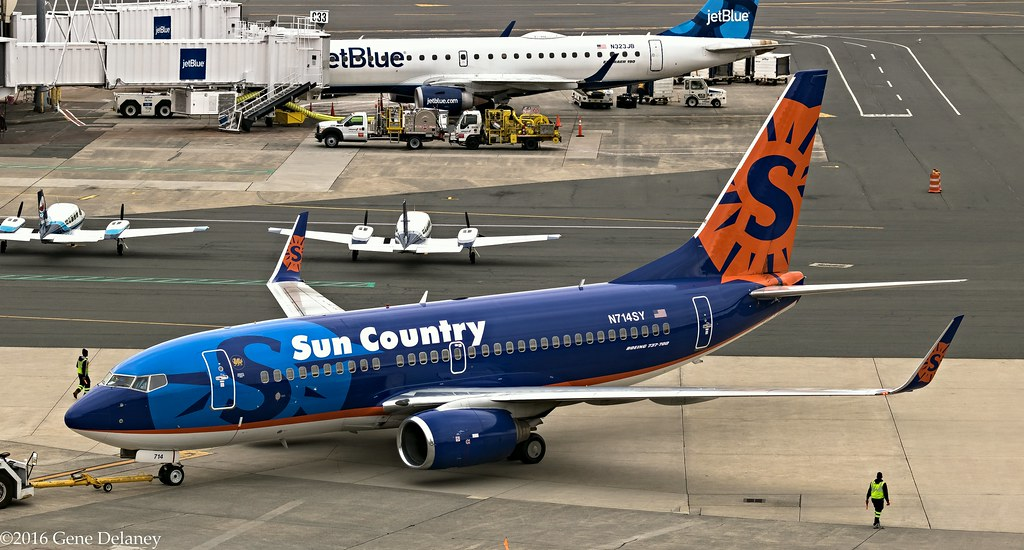 sun country airlines n714sy 2003 boeing b737 752 wl ms flickr flickr