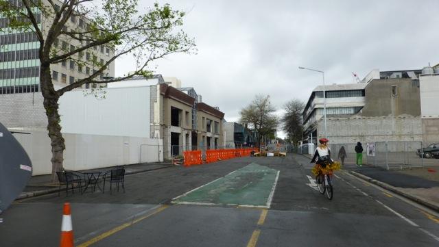 Lone cyclist on Gloucester Street
