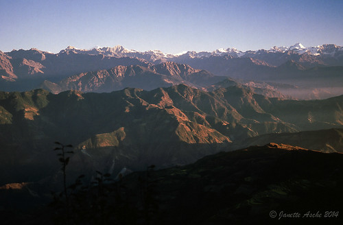 morning travel nepal mountains film sunrise trekking 35mm asia hiking 1988 slide hills fujifilm scannedslide langtang helambu borlangbhanjyang