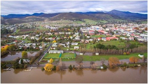 water river flooding view flood derwentvalley australia aerial vista tasmania murky drone derwentriver riverderwent dji newnorfolk trainsintasmania stevebromley djiphantom3standard phantom3standard