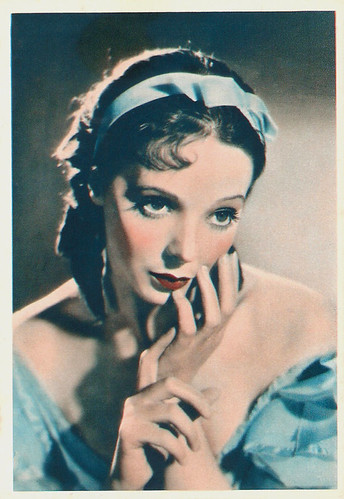 Jessie Matthews in Waltzes from Vienna (1934)