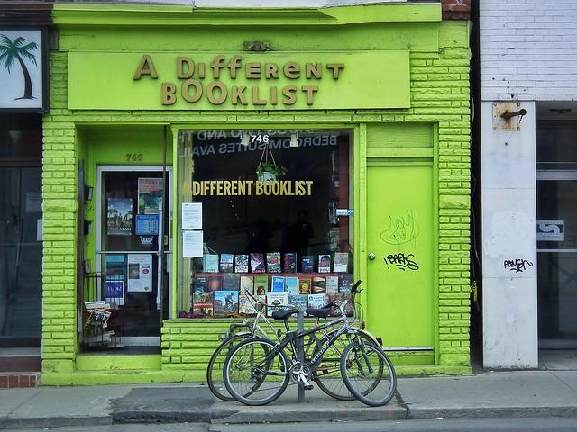 A Different Booklist (Toronto, Canada. Gustavo Thomas © 2013)
