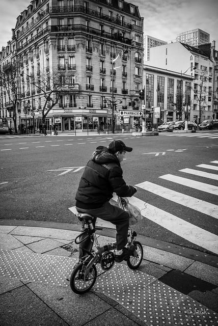 le petit homme au petit vélo