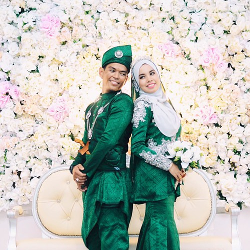 Book your wedding photography at RM250 only. Please contact 014-236 2948 if you're interested for more information.  #shutterlicious #lukecarliff #weddingmalaysia #weddingphotographer #weddinginspiration #wedding #weddingphotography #photography #portrait | by lukecarliff