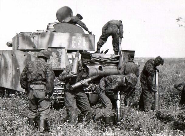 Waffen SS, pomaganie załogę Panzer IV