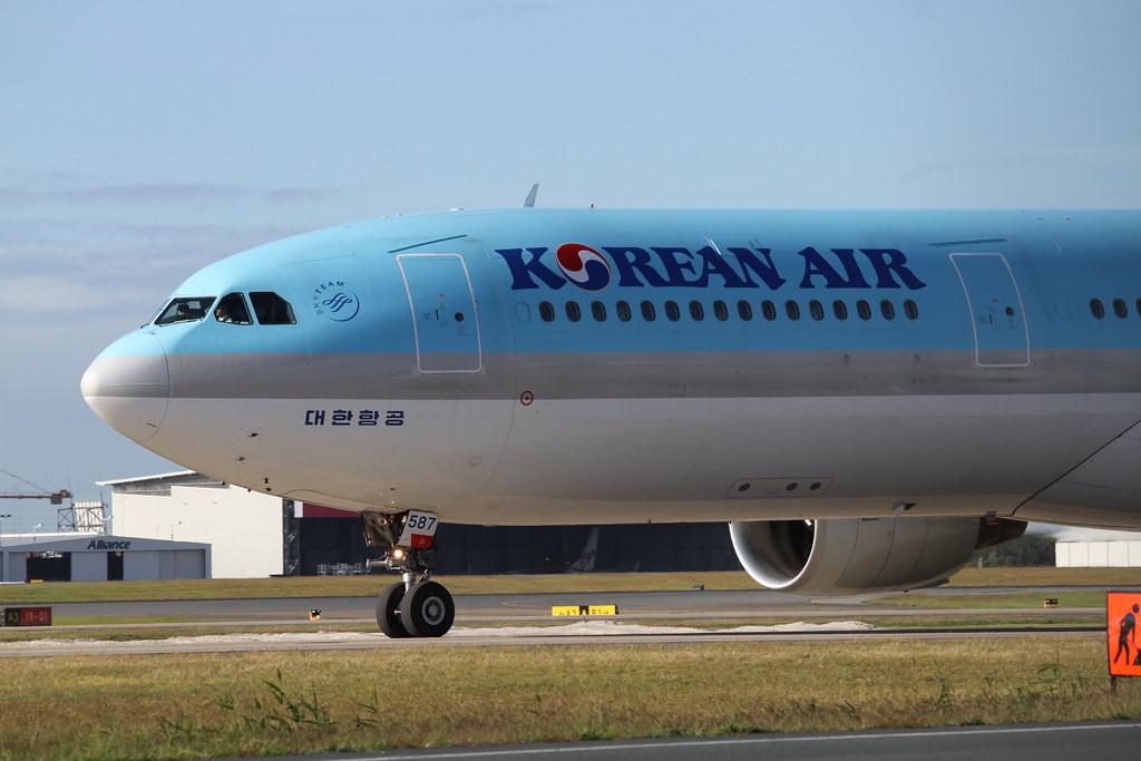 Korean Air Airbus A330-300 HL7587