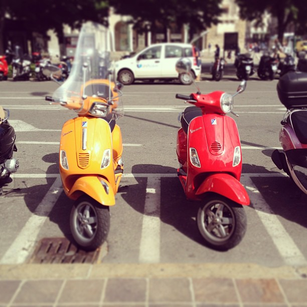 Red Vespa, Yellow Vespa