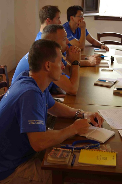 CAVES 2011 Preparatory training Day2 class - copyright ESA-Vittorio Crobu06