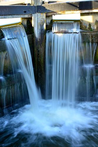 waterfall lockgates tailgates riponcanal oxcloselock