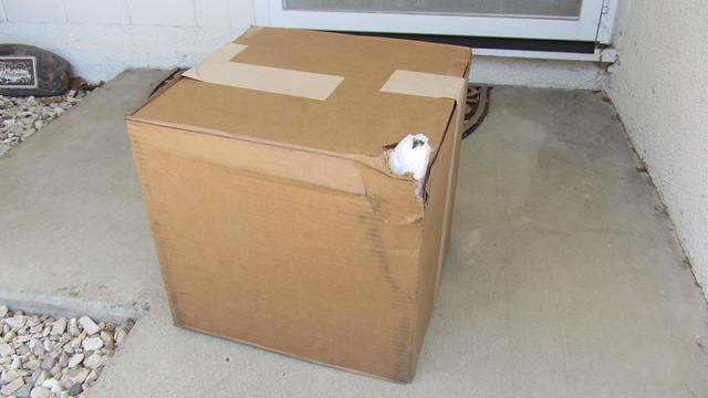 IMG_4588 Palram 3600 gazebo missing parts delivery by Fedex damaged box