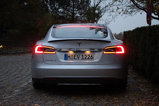 Tesla Model S | by pestoverde
