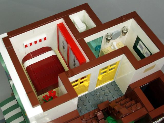 LEGO Modular Building: Garage and Mom & Pop Store