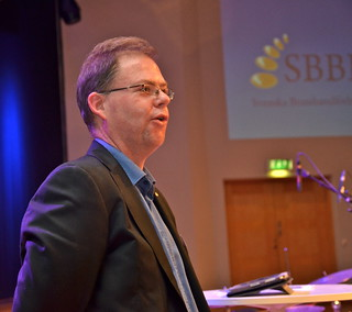 Brassbandfestivalen 2013 - Martin Lindor leder nationalsången (Foto: Olof Forsberg)