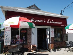 日, 2013-05-05 10:49 - LaMonica's Salumeria