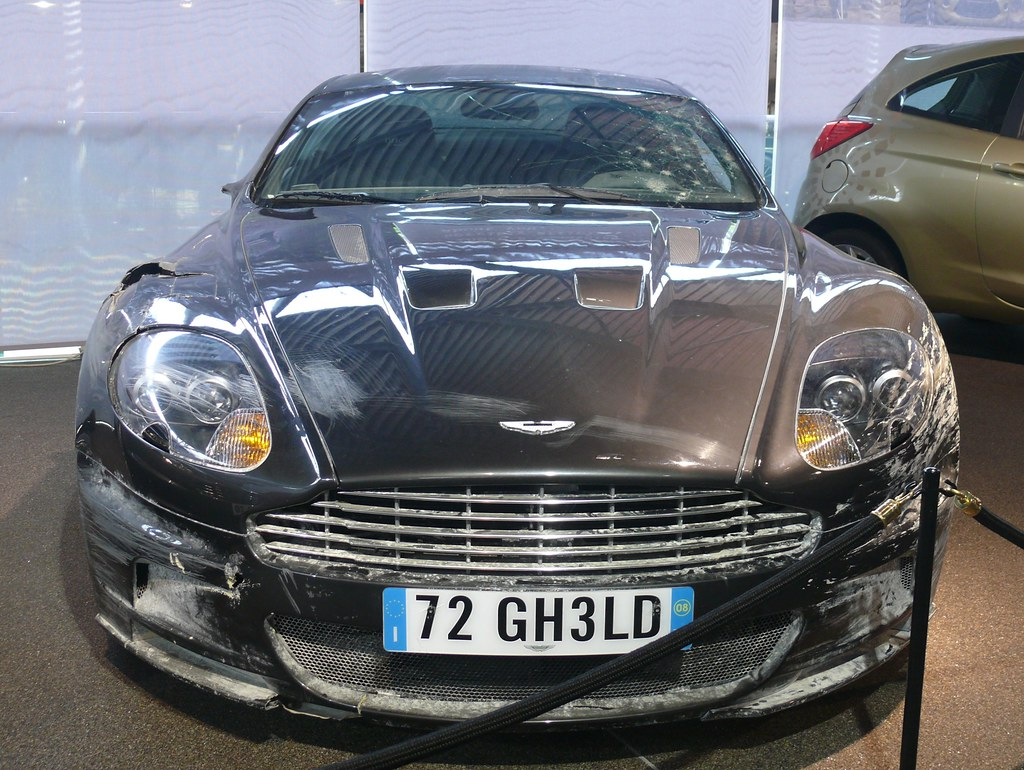 James Bond Aston Martin Dbs With Continuity Damage 2008 Qu