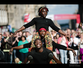 Street Performers on Royal Mile - Edinburgh Festival Fringe 2013 - 9911 | by motion-images