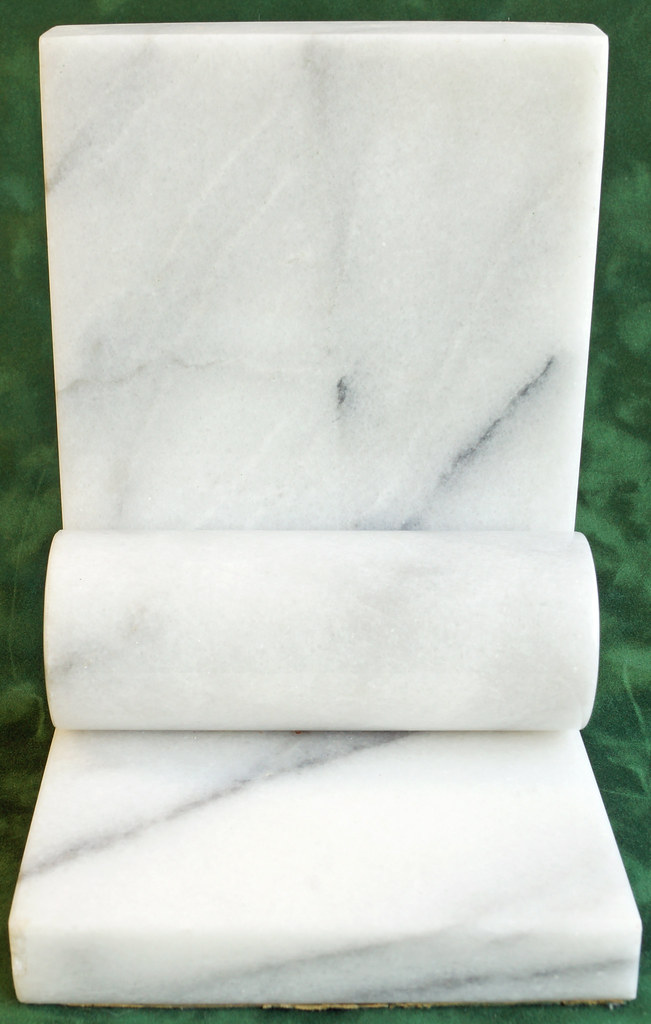 RD1393 Vintage White and Gray Marble Bookend DSC05304