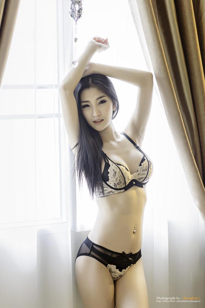 Sexy Lady  Alongkot Sumritjearapol  Flickr-1263