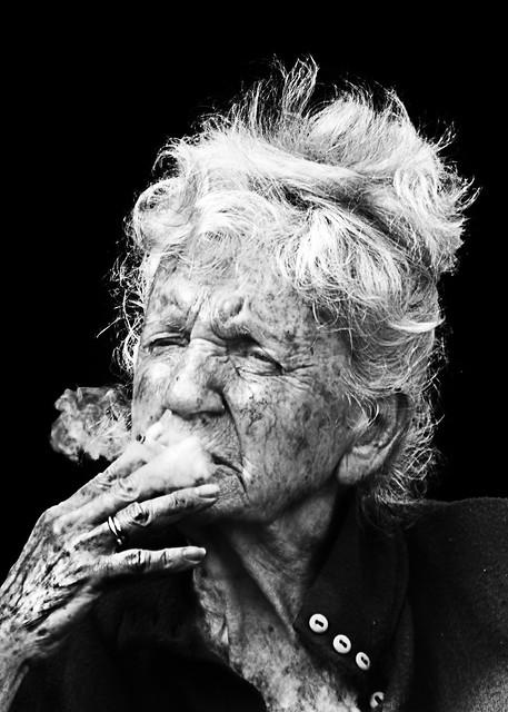 Smoking (D80_356376 R)
