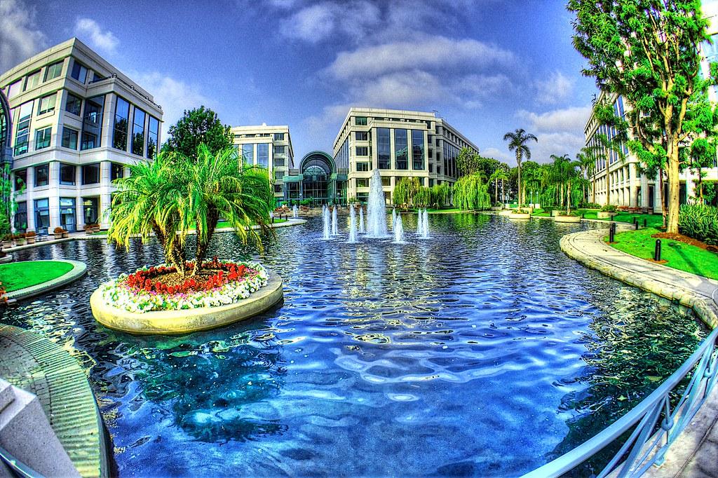 The Water Garden Courtyard In Santa Monica Shinnygogo Flickr