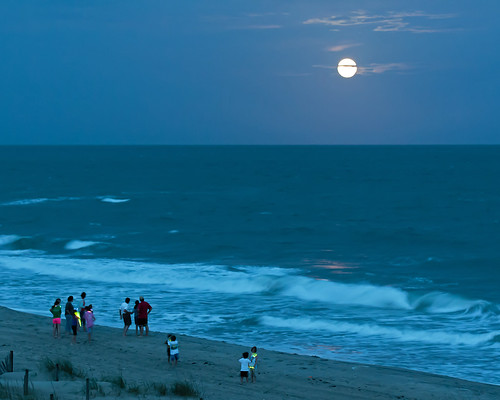 family vacation moon beach night evening walk shoreline shore moonlight stroll emeraldisle