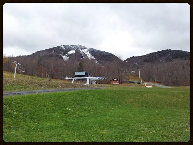 De La Neige Au Sommet Du Mont Orford. 2013-10-27 16.15.28